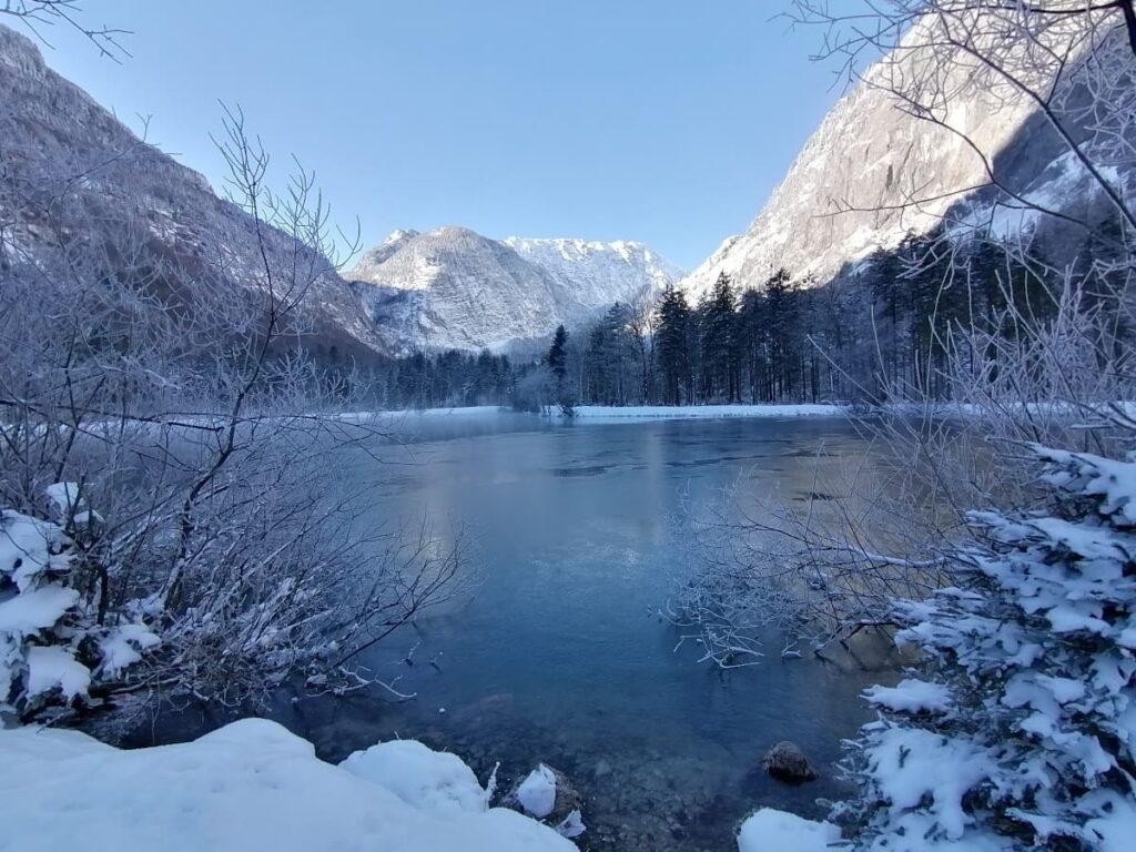 Nach dem Gollinger Wasserfall Winter der Bluntausee Winter - besonders schön bei Neuschnee und blauem Himmel