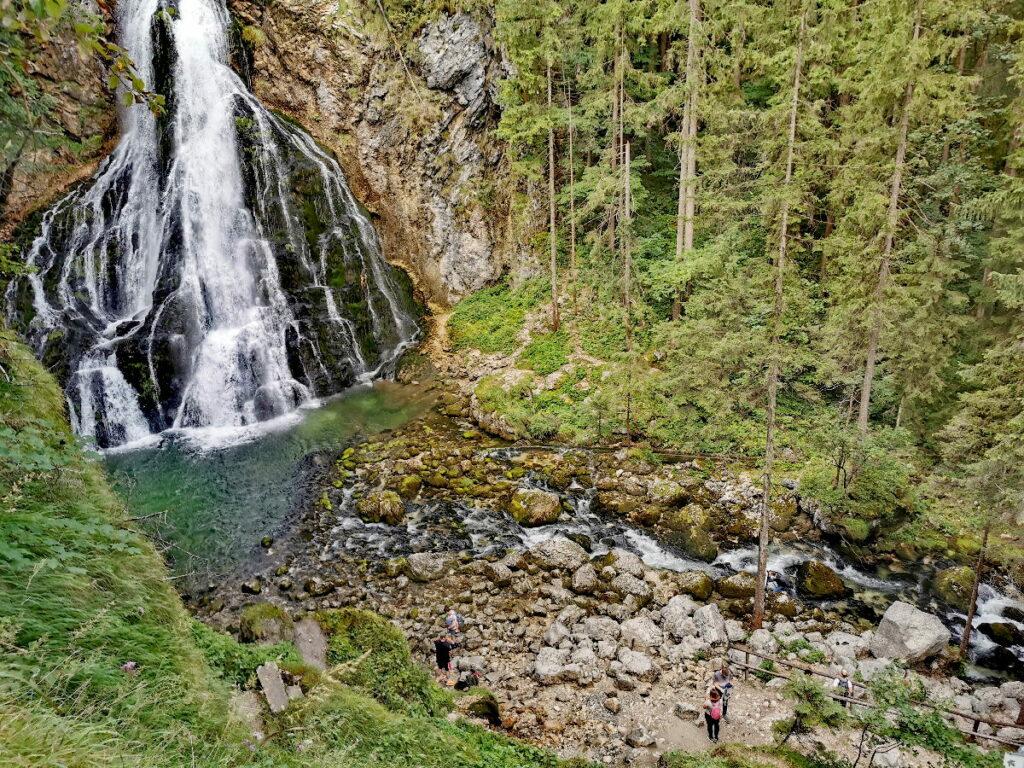 Hier findest du alle Informationen für deine Gollinger Wasserfall Anfahrt - dann kannst du dieses Naturwunder erleben