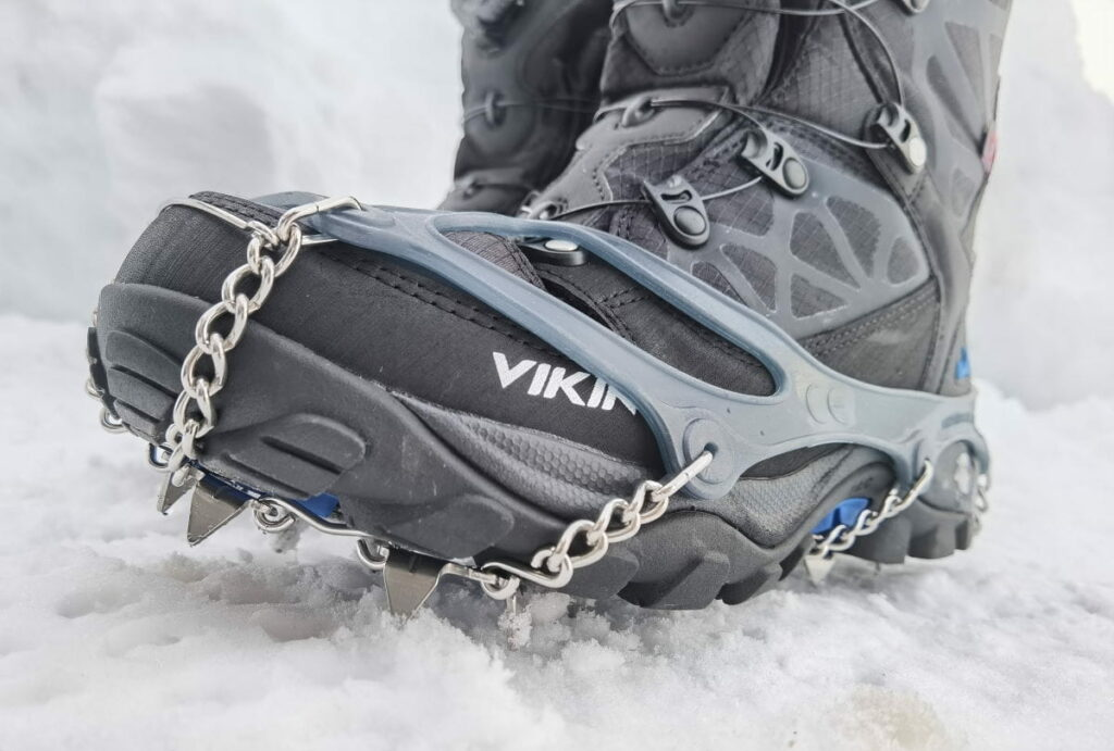 Gollinger Wasserfall Winter - Ausrüstung: Mit snowline Grödel und guten Winterschuhen